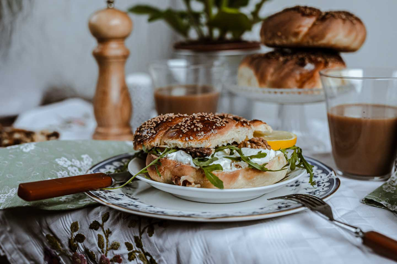 Easter Breakfast: Twisted Bagels with Black Tea Latte