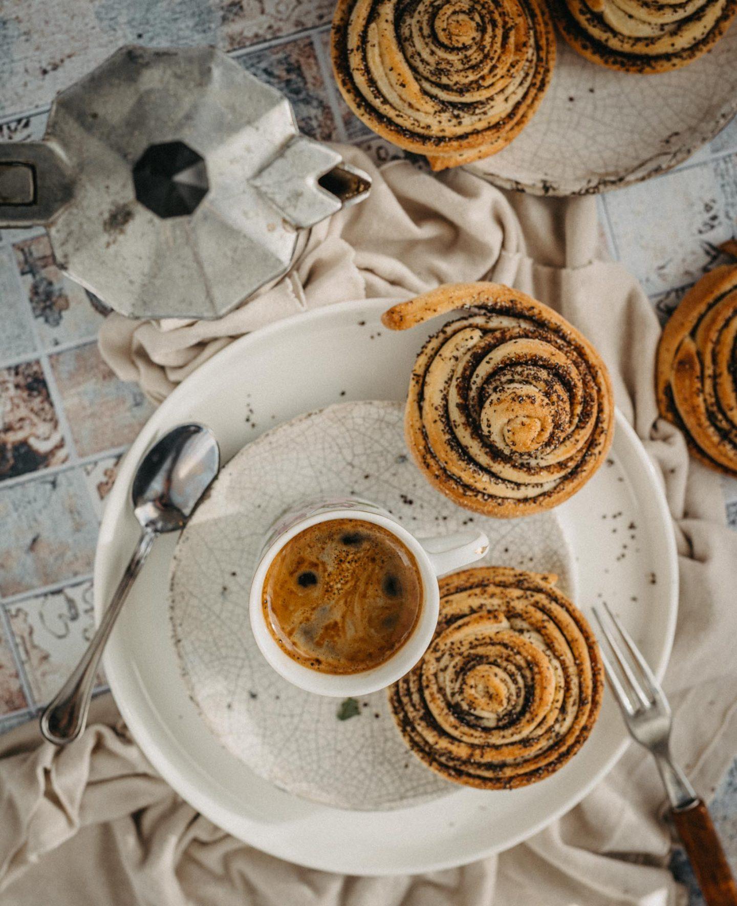 Moka coffee and poppy rolls