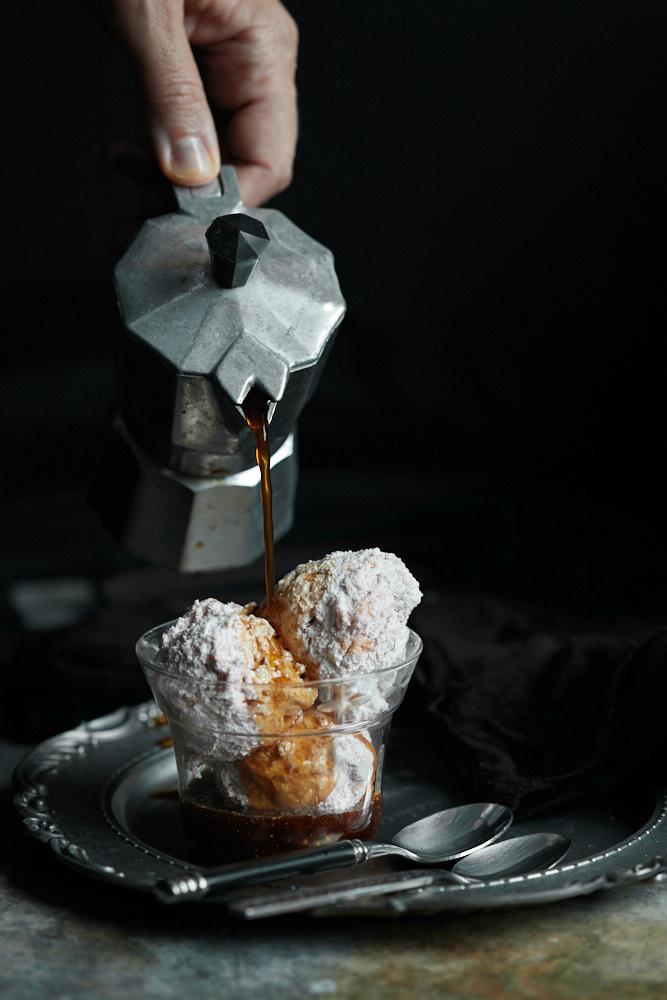 Moka coffee affogato